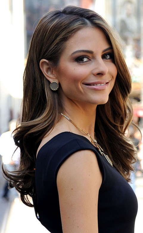 Maria-Menounos-Hairstyles-Side-parted-Curls