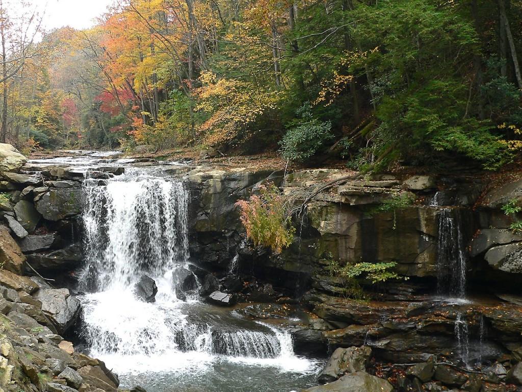 waterfall-613473_1280
